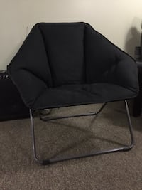 black and gray folding chair- excellent comdition Merrick