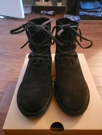 Uggs Elvi size 6 London, N5X 2B9