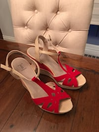 pair of white-and-pink open toe wedges Montréal, H1C