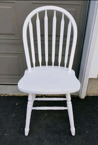 White chalk look Chair 1 pc only Oshawa