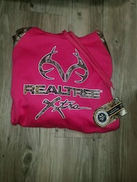 """BRAND NEW""""Realtree"""" PinkCamo hoodie!! (Size LARGE) Wilsonville, 97070"""
