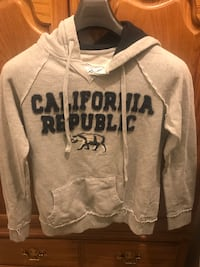 Grey sweater with hoodie size M in good used condition Palmdale, 93550