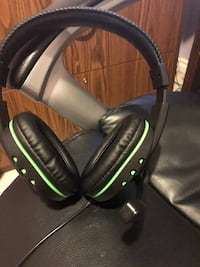 Black and green corded headphones Waterloo, N2J 2T2