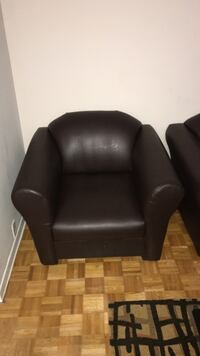 black leather padded sofa chair Toronto, M1E 4S9