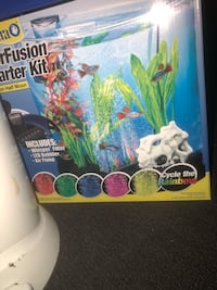 Half moon 3 gallon fish tabk Silver Spring