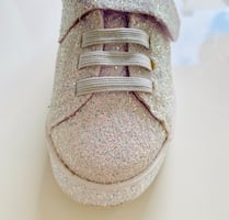 Shoes size 9(new)