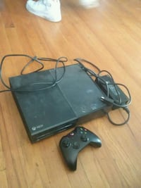 game console power cables and controllers Chicago, 60629