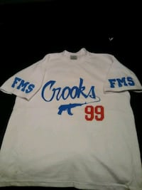 Famous-Star-And-Strap T-shirt  (size: Large) 2084 mi