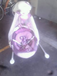 baby's pink and white cradle n swing Sacramento, 95841
