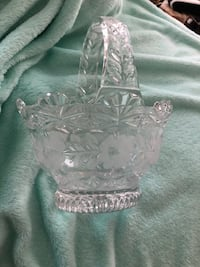 clear cut glass footed bowl Clarksville, 37040