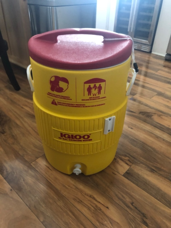 Igloo (10 Gallon Cooler)