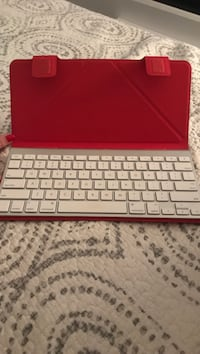 Apple wireless keyboard with case Montréal, H3G 1Y7
