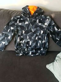 Boys puma sweater size small Coquitlam, V3B 8A6