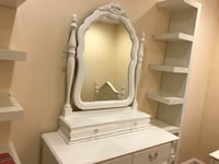 Stanley White Vanity, Dresser and Nightstand (3 piece lot) Bowie, 20716