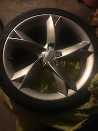 2011 audi wheels and tires good  Portland, 97221