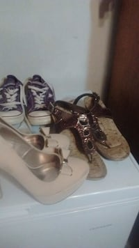 lot of  3 pr of shoes size 10 Hannibal, 13074