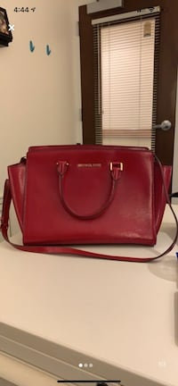 Michael Kors- Red Tote with Black Wallet Ashburn, 20147