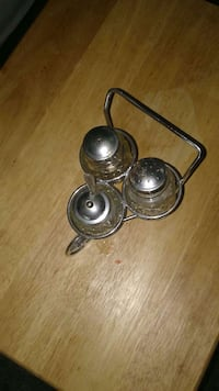 Cute Vintage salt,pepper and suger holder Capitol Heights, 20743
