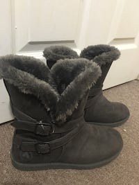 Women boots size9.5 or 39