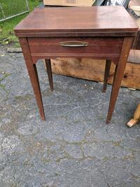 antique sewing table Brookfield, 60513