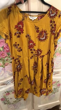 yellow and black floral scoop-neck dress Los Angeles, 90036