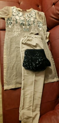 white and black floral pants Alexandria, 22311