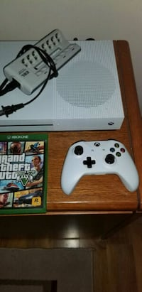 XBOX ONE S (MINT CONDITION) Mississauga, L5R 2S2