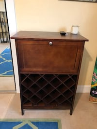 Liquor cabinet/wine rack Cocoa Beach, 32931