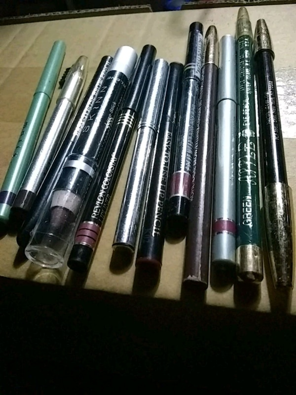 12 Eyeliner, Eyebrow , Eyeshadow Pencils