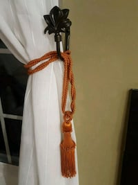 2 curtain decorative holders