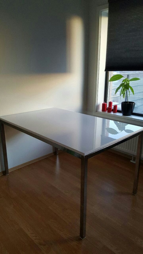 White High Gloss Dining Table with Metal Legs 135x
