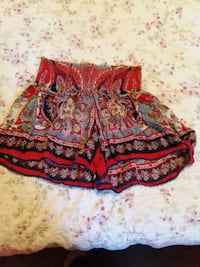 Shorts fit 5/6 or 7/8 woman  Gainesville