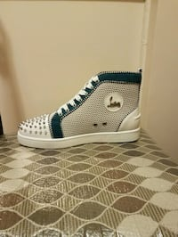 Mens size 9.5 sneakers  Queens, 11434