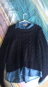 Navy blue scoop-neck long-sleeve shirt Falls Church, 22041
