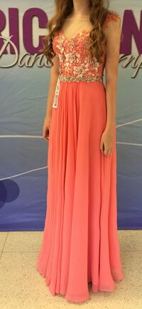 coral formal dress Harrisonburg, 22807