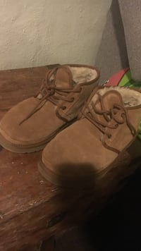 Men's Uggs size 10