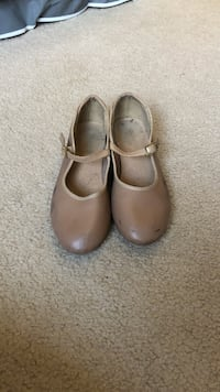 Nude Tap shoes. Size 7. Negotiable.