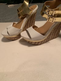 Size 7 gold white wedges ladies  Mission, 78572
