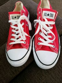 Converse Mens size 11. womens size 13 gently used.
