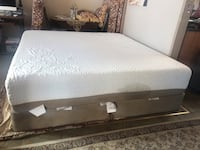 Icomfort king bed Victoria, V8P 4A5