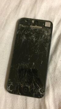 Black iPhone 5 screen needs to be replaced