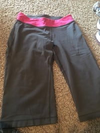 Old navy active capris Sioux Falls, 57106