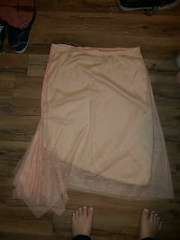 beige and pink skirt