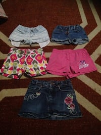 Little girls clothes  507 km
