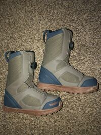 Youth Thirty Two Snowboard Boots Size 5 Lakewood, 80228