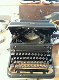 royal touch controls typewriter antique vintage Lincoln, 02865