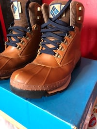 WORN TWICE COLUMBIA BOOTS SZ 12  Ajax, L1S