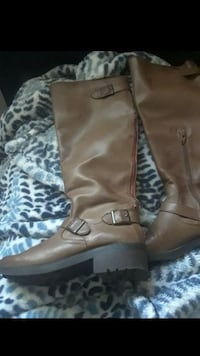 brown leather boots 6 1/2  Downey, 90241
