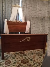 PRICED TO GO! ANTIQUE CANADIANA Hand Carved Bed W/ Markham, L6E 2B3