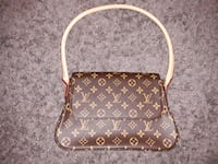 brown monogrammed Louis Vuitton leather crossbody bag Beebe, 72012